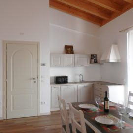 Riel two-room apartment | Agriturismo Fioralba Lake Garda